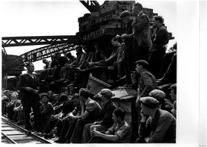 arbeiderswaterloobridgelonden_1939_©wolfsuschitzky