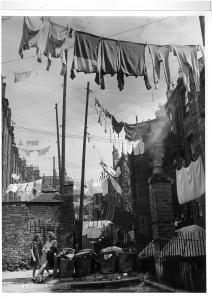 sloppenwijkdundeeschotland_1944_©wolfsuschitzky